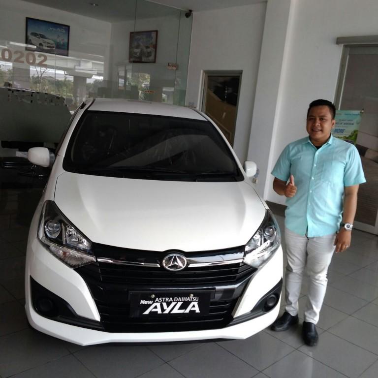 Sales Marketing Mobil Dealer Daihatsu Asep