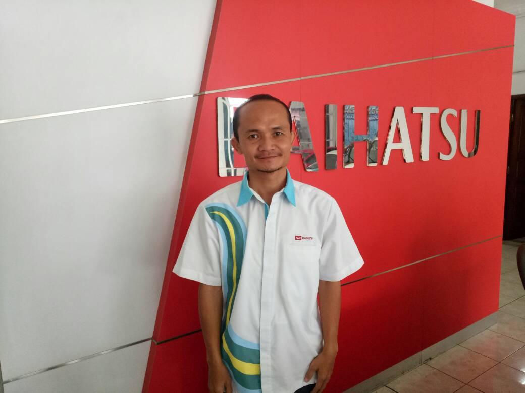 Sales Marketing Mobil Dealer Daihatsu Sukabumi Asep