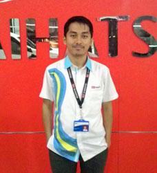 Sales Marketing Mobil Dealer Daihatsu Sukabumi Rivaldi Riyan