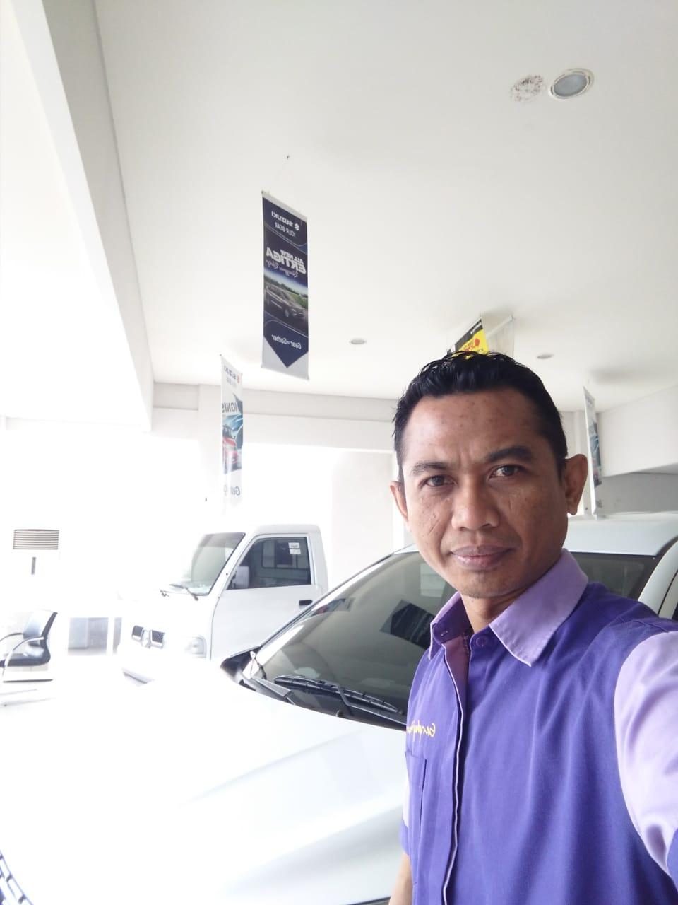 Sales Marketing Mobil Dealer Suzuki Rudi