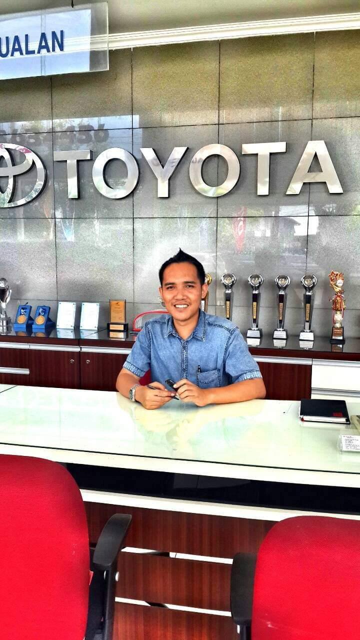 Sales Marketing Mobil Dealer Toyota Doni